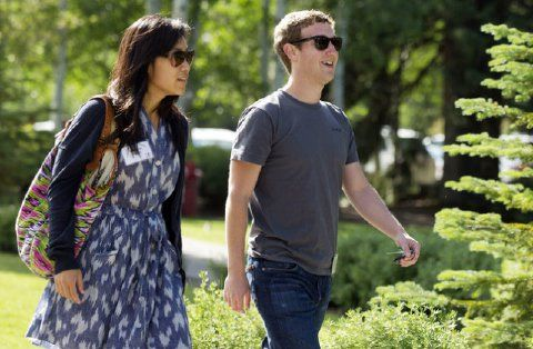 Mark Zuckerberg buys four houses all around his Palo Alto home - Zuckerberg is one of several prominent tech CEOs who own homes on Palo Alto's tree-lined streets. Yahoo's (YHOO) Marissa Mayer and Google's (GOOG) Larry Page live there, as did the late Apple (AAPL) chief Steve Jobs.