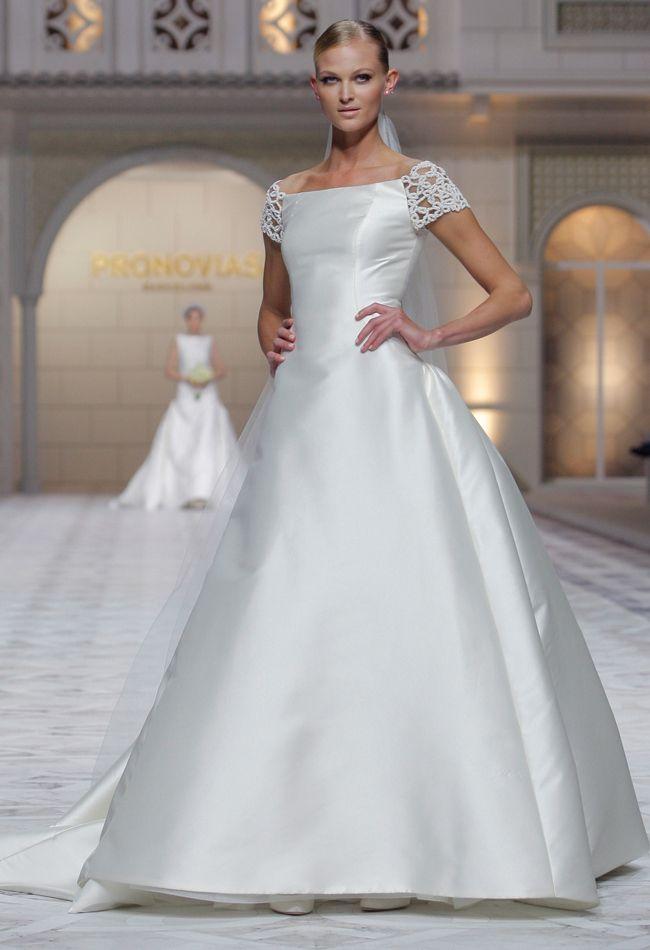 Pronovias Trouwjurken van Spaanse ontwerpers - WeddingFair