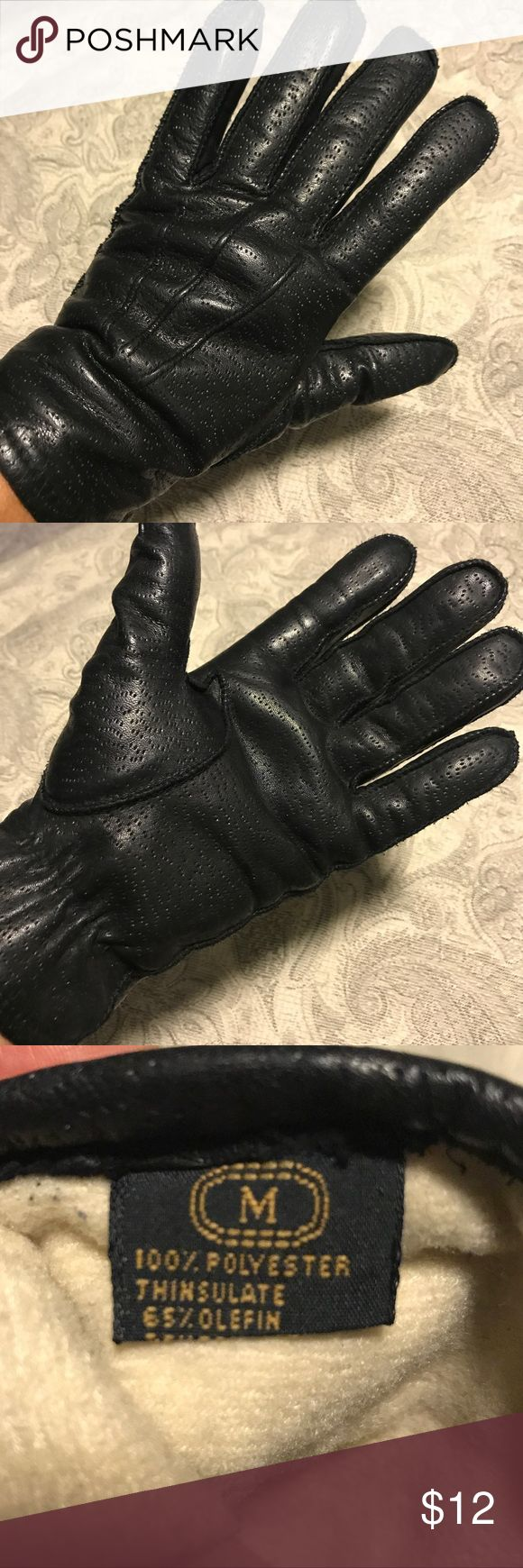 Black Leather Thinsulate Gloves, size Medium In excellent pre-owned condition, no wearing on leather.  Size is Medium Accessories Gloves & Mittens