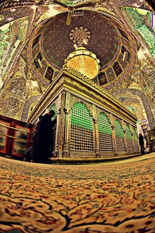 antieverythingism:  Inside shrine of Imam Ali [as]