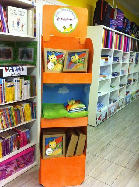 L'espositore con i libri del Signor Bo nelle librerie!