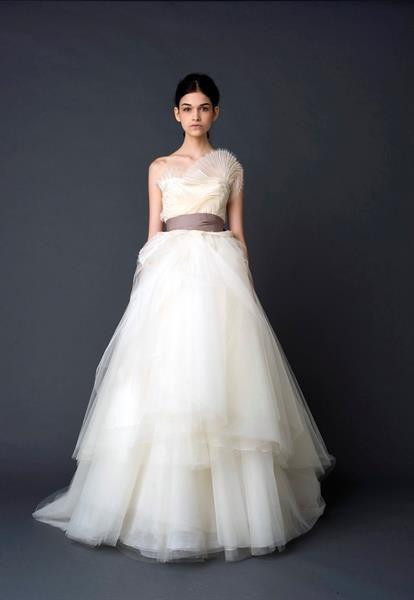Свадебные платье от вера вонг цена в казахстане