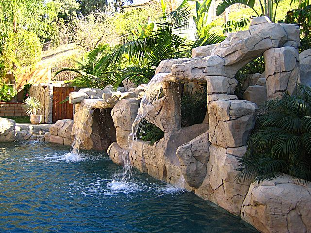 Bay Water Pool & Spas is a premier swimming pool contractor and custom pool builder in Southern California since 1993. Licensed & Insured - Family Owned