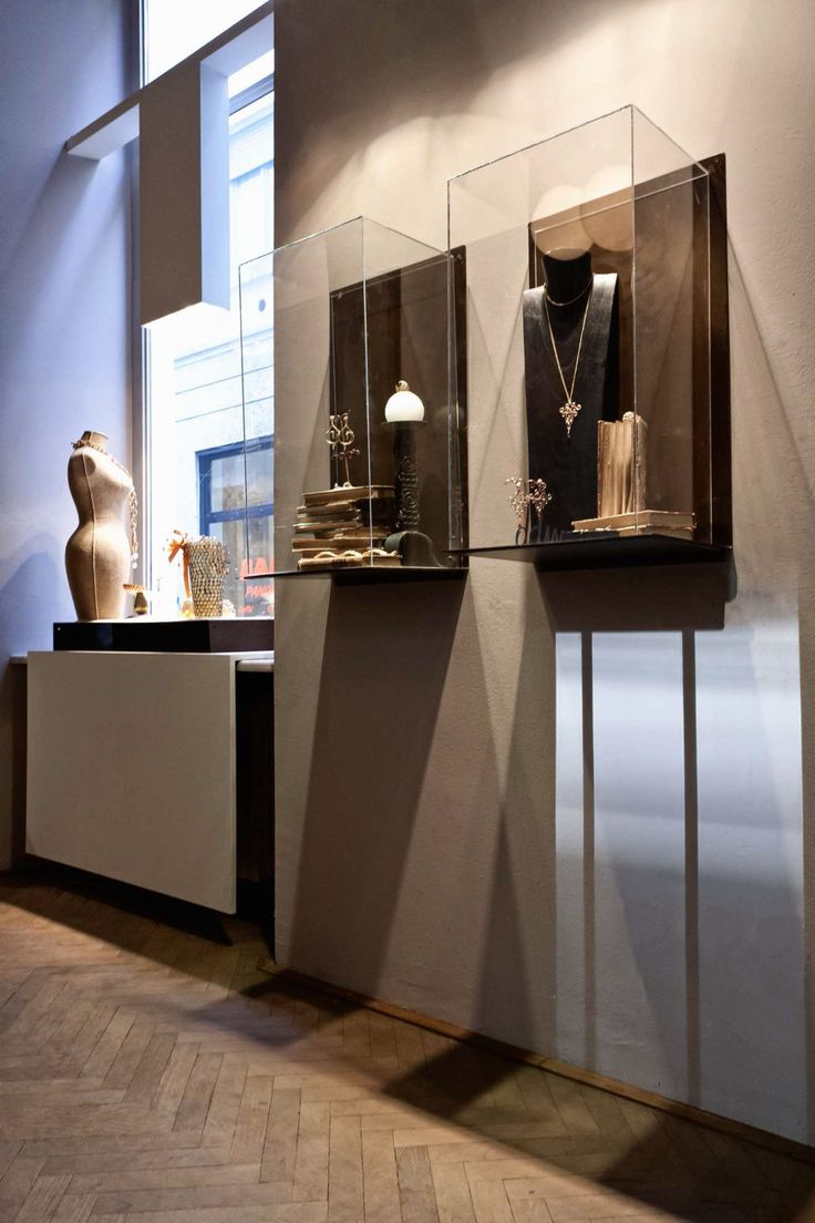 Daniela De Marchi jewelry by Paolo Cesaretti Daniela De Marchi, Milan store design #jewelry
