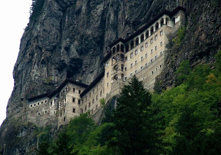 Μυστική σήραγγα ανακαλύφθηκε στο Μοναστήρι της Παναγίας Σουμελά / Secret tunnel discovered in Sümela Monastery