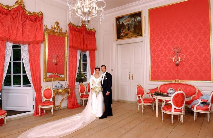 Princess Märtha Louise of Norway and her first ex-husband Ari Behn on Royal Wedding at Stiftsgården in Trondheim, Norway on 24 May 2002