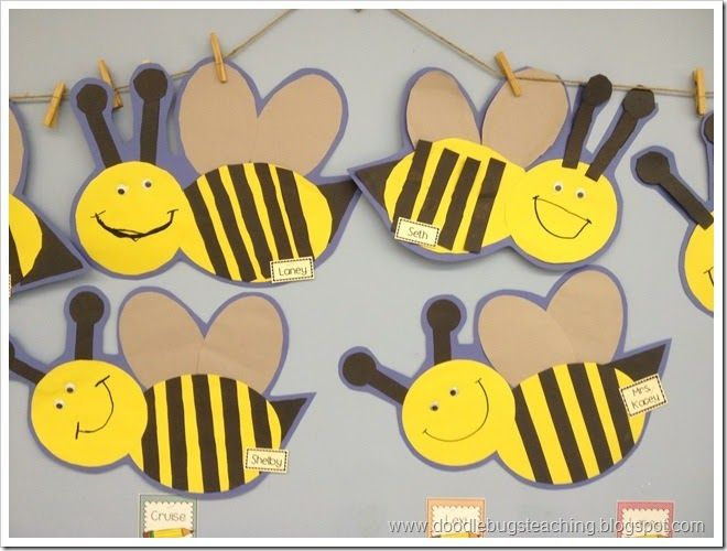 Very cute bees