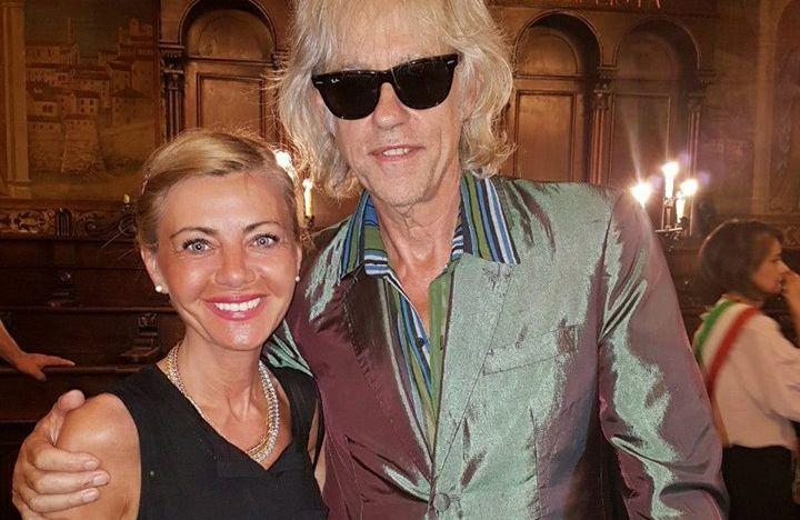 Gossip cortonese – Chi è la signorina accanto a Bob Geldof?