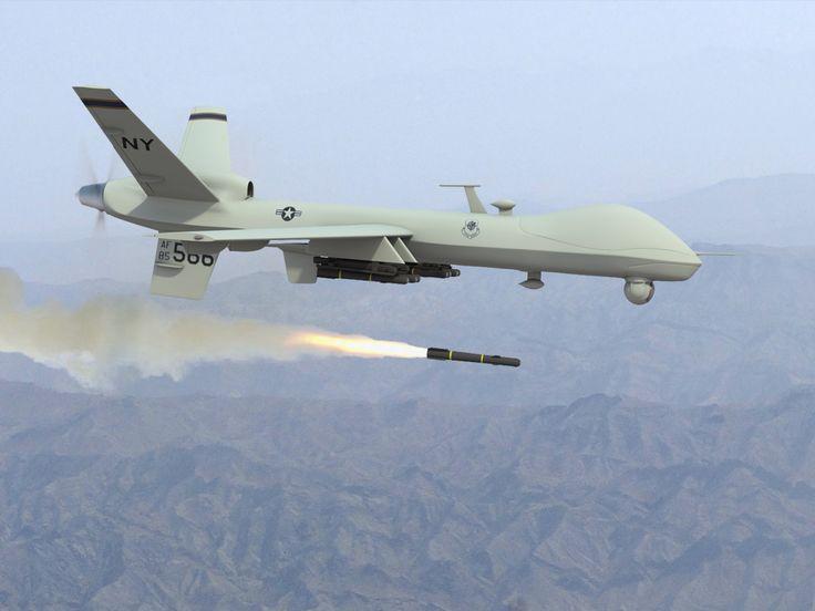 Un drone survole Idlib et et tire un missile.Plusieurs dizaines de victimes.