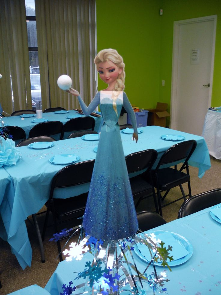 Frozen table centre piece. Original papercraft doll can be found at www.ohmyfiesta.com