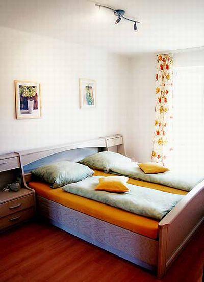 schlafzimmer schwarz u2013 HomeAndGarden wohnzimmer