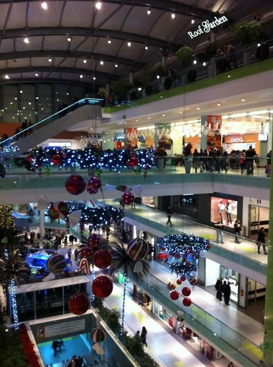Athens Metro Mall - Need souvenirs to bring back home? Everything can be found here #Athens