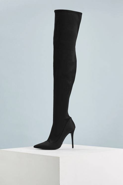 Make a statement whatever the occasion in this pair of over the knee stretch boots. They make any outfit instantly chic.
