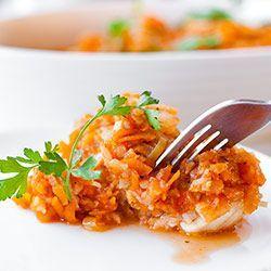 Ryba po grecku. Ryba po grecku przepis. Najlepszy przepis sprawdzony na rybę po grecku. Ryba w warzywach, marchewce, pietruszce i cebuli.