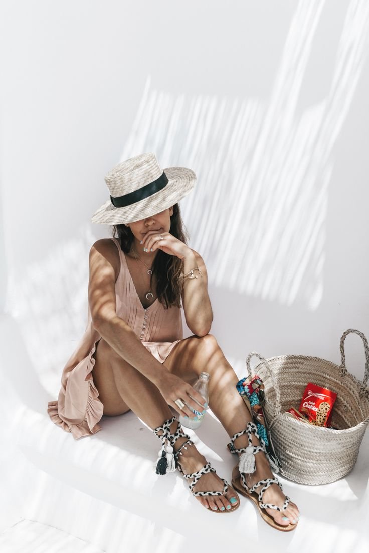 Soludos-Soludos_Escapes-Light_Pink_Dress-Knotted_Sandals-Mykonos-Greece-Collage_Vintage-Summer_Outfit-Street_Style-14