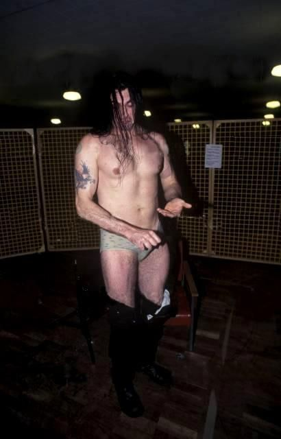 what is going on here? :) Oh Peter Steele.....