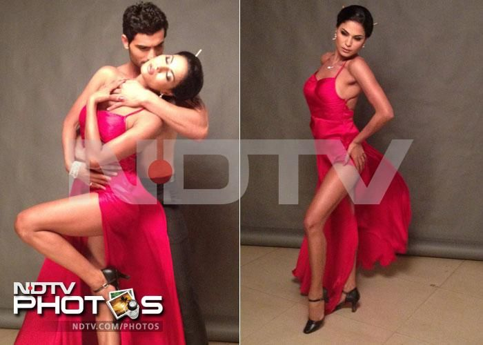 Steamy! Veena Malik's salsa sends the mercury rising. As if it weren't hot enough already