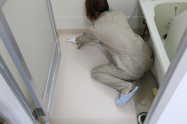 連載 足元サラリ Fukuviの浴室用床シート あんから で古いタイプ
