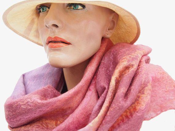 Dames accessoires zijden sjaal handgemaakt vilt door RiViDesign