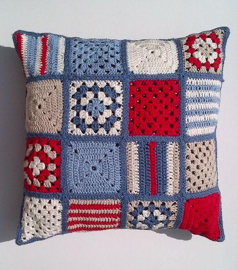 Nautical crochet cushion por Jayneanncrochet en Etsy