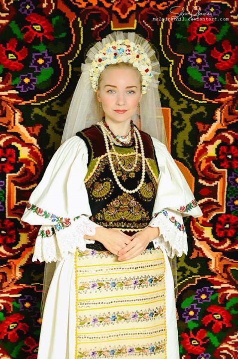Colecţia de artă populară Silvia-Floarea Tóth