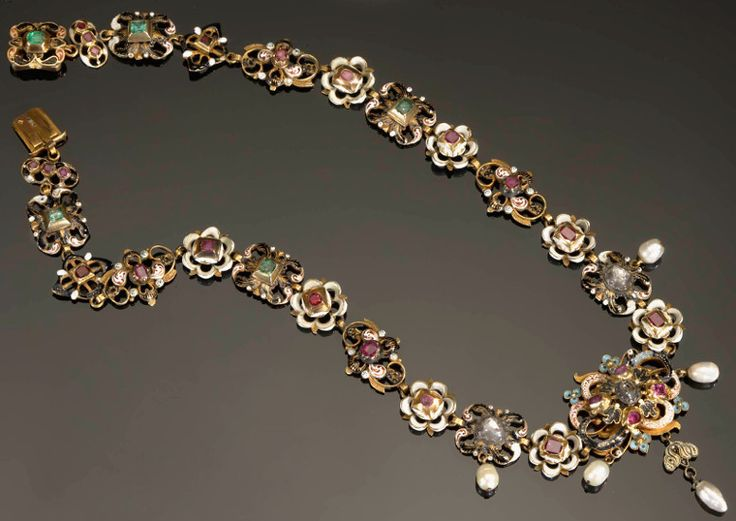 Necklace with a large rosette in the center, decorated with black, white and colored enamel, France, ca. mid-17th century, Muzeum Narodowe w Warszawie (MNW)