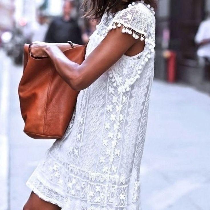 Dámské letní krajkové šaty s třásněmi – Velikost L Na tento produkt se vztahuje nejen zajímavá sleva, ale také poštovné zdarma! Využij této výhodné nabídky a ušetři na poštovném, stejně jako to udělalo již velké …
