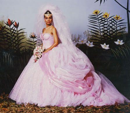 hochzeitskleid leihen on Auch Das Kleid Der Braut Aus Dem  Prinz Von Zamunda  War Damals F  R