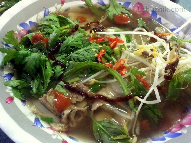 Hovězí polévka Pho Bo