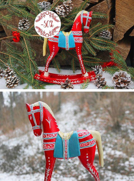 Cheval à bascule rouge, sculpture en bois peinte à la main, folklore ...