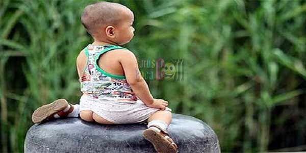 Anak Kecil di China Selalu Memakai Celana Sobek