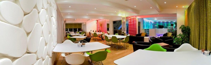 Restaurant and Bar at elements