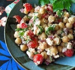 5-Minute Greek Garbanzo Bean Salad Recipe