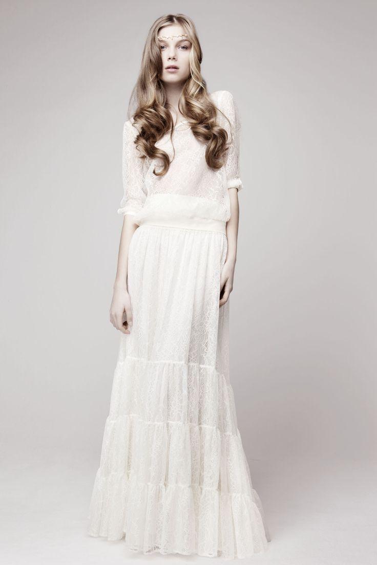 New Simple bohemian wedding gown Otaduy