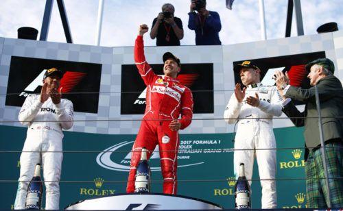 Новый сезон «Формулы-1» стартовал спобеды Ferrari http://mnogomerie.ru/2017/03/26/novyi-sezon-formyly-1-startoval-s-pobedy-ferrari/  «> Победителем первого этапа «Формулы-1», Гран-при Австралии, стал пилот Ferrari Себастьян Феттель. Россиянин Даниил Квят финишировал девятым Феттель финишировал первым встартовой гонке сезона, опередив пилота Mercedes Льюиса Хэмилтона. В тройку призеров вошел еще один пилот Mercedes Валттери Боттас. «Впереди нас ждет очень, очень длинный путь, носейчас мы…