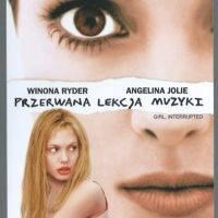 Susanna poznaje Lisę w zakładzie psychiatrycznym. Od niej uczy się akceptacji siebie.