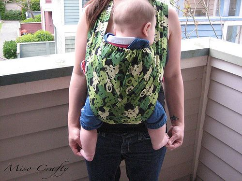 Miso Crafty: Tutorial: The Meela Baby Carrier!! #baby carrier diy #diy baby carrier #fashion baby carrier