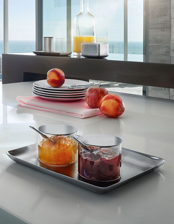 Clean lines and timeless design characterize the products of the breakfast series in brushed stainless steel.