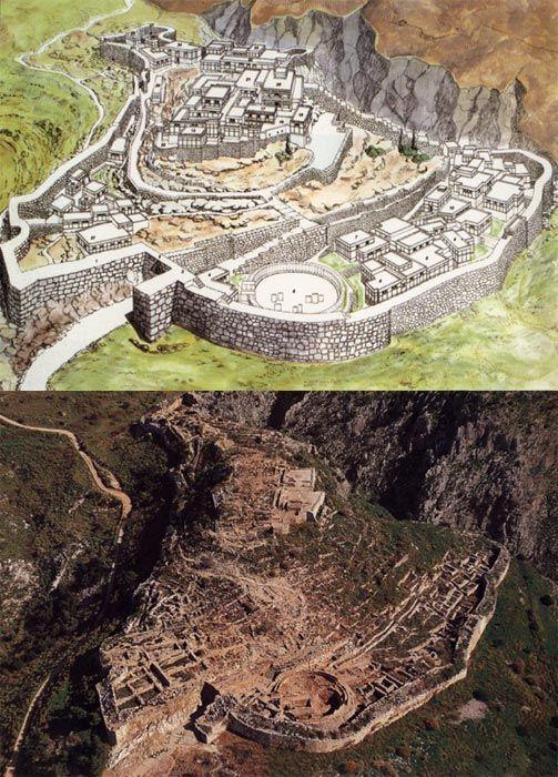 Mycenae es un sitio arqueológico en Grecia, situado cerca de 90 kilómetros (56 millas) al sudoeste de Atenas, en el Peloponeso del noreste. Desde la colina en la que se encuentra el palacio, se puede ver a través del Argólida hasta el Golfo Sarónico..