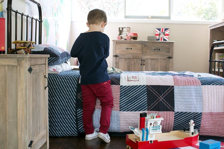 oscars retro bedroom