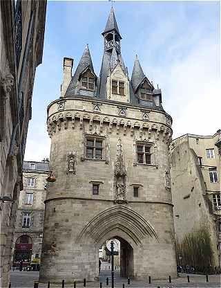 La Porte Cailhau à Bordeaux (XVe)