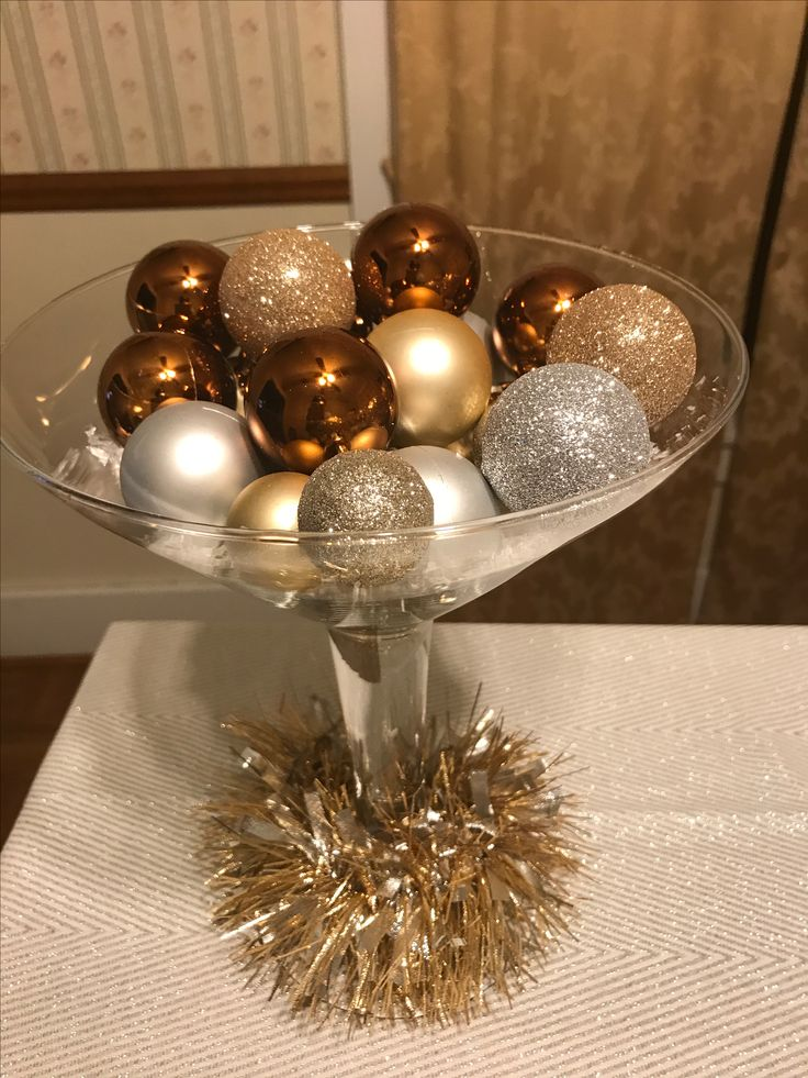 Best 25 Martini Glass Centerpiece Ideas On Pinterest Pearl Centerpiece Center Pieces For