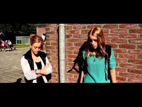 ▶ Speelfilm - Over de streep - YouTube een film over pesten --> voor de oudere kinderen!