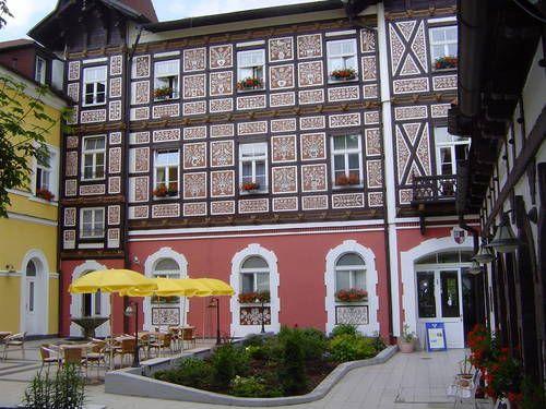 Františkovy Lázně - colorful façade