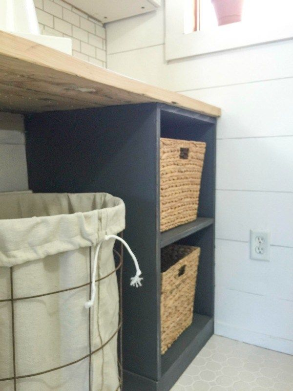 the perfect diy laundry folding table for the home diy projects laundry room laundry room. Black Bedroom Furniture Sets. Home Design Ideas