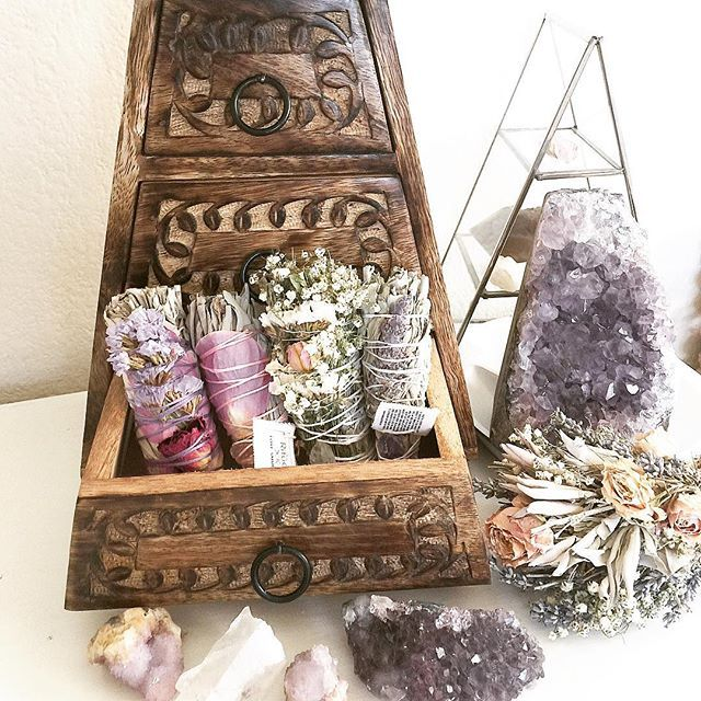 76 Best Amazing Altars Images On Pinterest: 1167 Best Altar Ideas Images On Pinterest