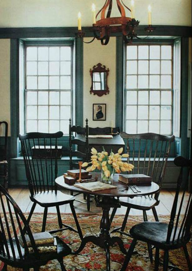 American Colonial Living Rooms | See more inspiring articles here: www.vintageindustrialstyle.com
