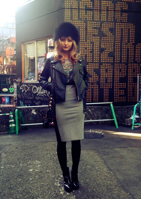 Fur hat, leather jacket, pencil skirt and ankle boots on elli-rose.