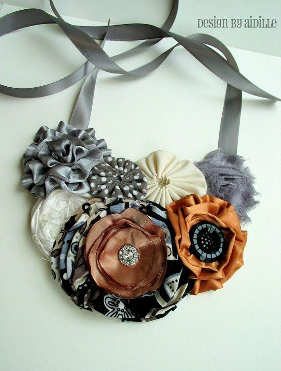 Mujeres declaración babero collar, roseta de seda, soplos de satén, flores de tela de algodón Yoyo, listo para enviar