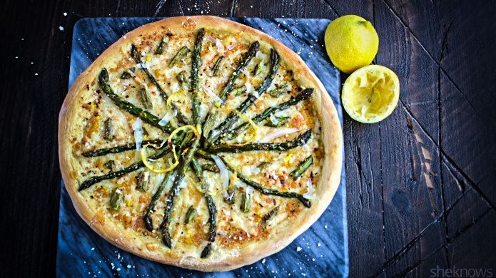 Roasted asparagus and lemon pizza